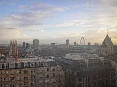 Maughan Library view (Gary Kinsman) Tags: kingscollegelondon maughanlibrary kcl 2006 london chancerylane wc2 cityoflondon tower highrise officeblock studyroom stdunstaninthewest kenthouse londoneye housesofparliament palaceofwestminster millbanktower royalcourtsofjustice upstreambuilding shellcentre cloud dark stormbrewing skyline cityscape architecture