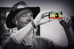 Tony (andzwe) Tags: camera italy smile tony smartphone cowboyhat giethoorn selectivecolor bluesfestival selectievekleur effectedcameras