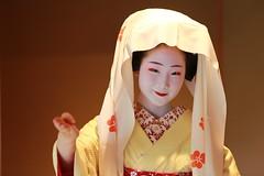 Maiko20160612_04_02 (kyoto flower) Tags: kyoto maiko 京都 舞妓 西陣 toshiemi とし恵美 nmizuno 細尾家 20160612