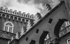 Palacio da Pena, Sintra (Yoli in Wonderland) Tags: detalle building castle portugal monochrome architecture arquitectura sintra palace medieval bn castillo palacio arcos palaciodapena