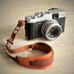 Fujifilm X20 Silver (D.J. De La Vega) Tags: nikon df 50mm f18 fuji fujifilm x20 silver leather wrist strap