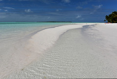 Sand Spit Cocos Islands (alpal2) Tags: sun holiday sand indianocean crab australia cocosislands