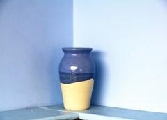 vase (friendlydrag0n) Tags: blue cream shelf pot simplicity vase simple