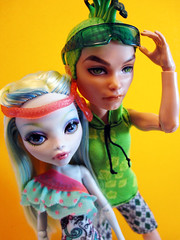 Deuce and Lagoona (nonaptime) Tags: ooak swimclass repaint customdoll scaris lagoonablue monsterhigh deucegorgon