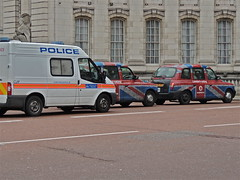 Taxis and Police (moacirdsp) Tags: uk england london st mall police taxis vodafone jamess the 2013