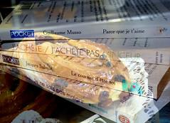 Avant l'été ... tout un programme, un déchirement ! (marycesyl,) Tags: bibliothèque livres minceur régimes