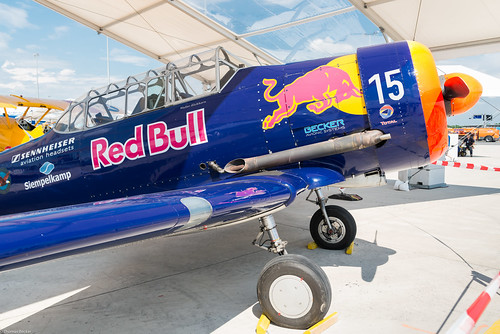 North American T-6 Red Bull (832365)
