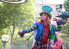 Mad Hatter performs at the Mad T Party (Denise Cross Photography) Tags: nikon disney tamron dca madhatter aliceinwonderland d800 disneyscaliforniaadventure 28300 tamron28300 nikond800 madtparty