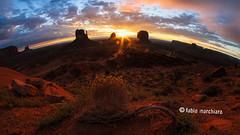lucky luke (fabionico™) Tags: arizona usa west monument sunrise utah valley navajo far fabionico monoliti