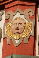 Oriel Detail: Winged (gripspix (OFF)) Tags: sculpture germany bayern deutschland bavaria coburg details franconia winged deco franken altstadt figur erker oriel geflügelt zierrat 20130821
