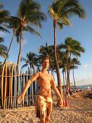 Hawaiian Holiday27 (annesstuff) Tags: beach hawaii waikiki oahu sightseeing tourist actionfigures actor honolulu jakegyllenhaal hottoys hawaiianholiday annesstuff ttm19