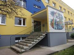 1983 Magdeburg Eingang Kinderkombination Frankefelde Frankefelde 36-37 in 39116 Ottersleben (Bergfels) Tags: treppe magdeburg ddr 1983 kindergarten platte beschriftet ottersleben 1980er bergfels ausentreppe 20jh architekturfhrer 39116 frankefelde kinderkombination