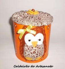 Lata com corujinha em feltro (Caldeirão do Artesanato) Tags: portatreco latadecorada artesanatoemlata reciclandolata