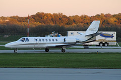 560 Citation Ultra N61TL at KLUK (Lunken Spotter) Tags: sunset ohio fall plane airplane corporate evening flying airport october dusk cincinnati aircraft aviation jets airplanes flight jet business planes mooring blimp oh trailer arrival airports aviao flugzeug cessna avion luk citation arriving taxiing 560 taxiway planespotting bizjet cessnacitation lunken kluk lunkenairport businessjet cincinnatiairport corporatejet cessnaaircraft cessna560citationultra aviationphotography lunkenfield cincinnatimunicipalairport citationultra mooringmast c560 vliegtug ohioaviation 560citationultra n61tl