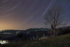 Movimiento de la Noche (Trenero EFC) Tags: night stars noche long exposure asturias estrellas gijon exposicion larga startrail celles siero