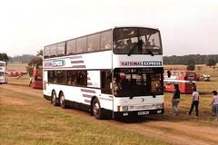 Shamrock & Rambler 3120 Showbus Woburn Abbey September 1984 (return2layerroad) Tags: bedfordshire bournemouth nationalexpress woburnabbey showbus mcwmetroliner shamrockrambler b120oru