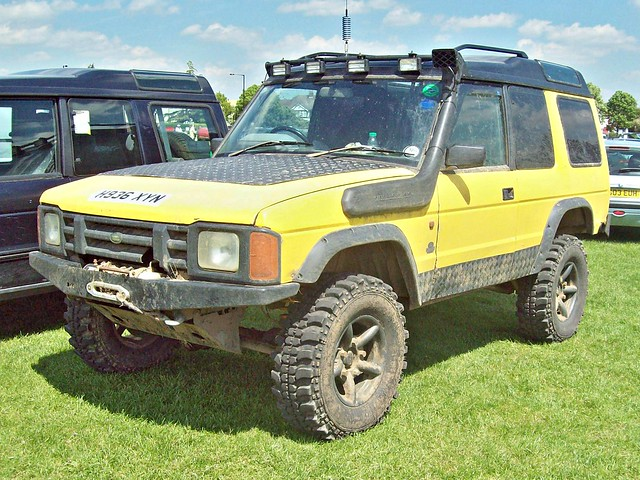 british landrover discovery 1990s enfield h936xyn