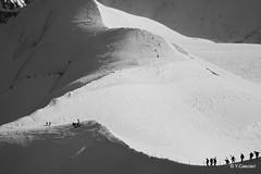 Départ de la vallée blanche (Yannick 67) Tags: ski france montagne canon neige savoie midi blanche chamonix paysages montblanc panoramique vallée aiguille horspiste 70d