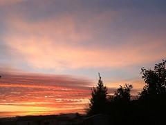 Très bonne journée à tous (karine_avec_1_k) Tags: cloud sun sunrise soleil nuage
