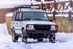 Land Rover Discovery (Luky Rych) Tags: land rover discovery winter snow 4x4 100d 50mm automotive car worldcars