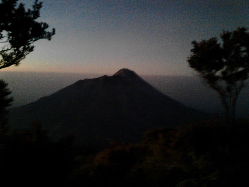 "Pengembaraan Sakuntala ank 26 Merbabu & Merapi 2014 • <a style=""font-size:0.8em;"" href=""http://www.flickr.com/photos/24767572@N00/26558551883/"" target=""_blank"">View on Flickr</a>"