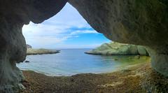 Cueva en Cala Higuera del Parque Natural Cabo de Gata, Almera. (eustoquio.molina) Tags: parque mar cabo san natural gata jos almera higuera cala rocas cueva volcnicas