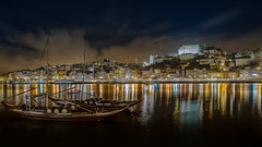 Calm night (Joo Cruz Santos) Tags: longexposure portugal night cityscape porto douro oporto sel16f28 nex5r