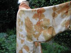 1 kimono oriol eucal3 (an'tchi) Tags: vegetable dyes katano artsandcrafts shibori teintures chemises katazome dhommes hempclothing vgtales vegetablesdyes vtementsenchanvre teinturesvgtales naturalclothingbrussels vtementsnaturelsbruxelles lainedebernardoriol leavesprintsclothing impressionsdefeuilles hugbags
