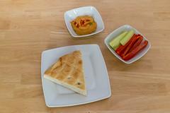 Vegan: Fladenbrot mit Hummus und Paprika-Sticks (wuestenigel) Tags: fruits vegetables breakfast avocado vegan healthy fresh startup frhstck superfood earlytaste