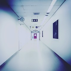 The way out... (anek07) Tags: door red white night contrast samsung reddoor hallway korridor icu annaekman