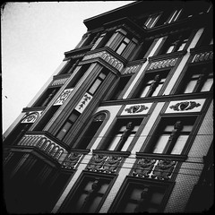 (House with Bay Windows) (Andrey  B. Barhatov) Tags: city urban blackandwhite bw architecture noir msk worldmap citywalks iphonecamera kitcam