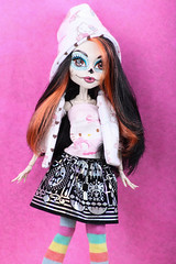 Skelita! ~ 129/365 (Hamsteh) Tags: hk cute skeleton doll hellokitty mh skeletrina monsterhigh skelita skelitacalaveras