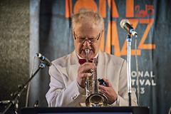 Pentti Lasanen Big Swing Orchestra feat. Minna Lasanen (Waldemar Stoffel) Tags: music festival suomi finland finnland musik pori björneborg satakunta porijazz2013 penttilassanenbigswingorchestra