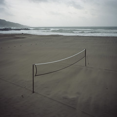 net value (Tom Kondrat) Tags: sea net 120 6x6 film beach mediumformat empty taiwan volleyball analogue mamiya6 typhoon kodakportra160 soulik typhoonblues