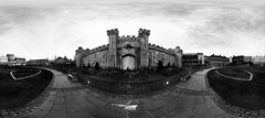 Rubens Cardia 04 (Rubens Cardia) Tags: ireland bw panorama dublin white house black castle branco coach outdoor 360 pb panoramic preto panoramica castelo irlanda degrees graus cocheira
