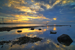 light and dark (Thunderbolt_TW) Tags: sunset sea sky sun reflection water windmill canon landscape taiwan     windturbine  changhua       hsienhsi   changpingindustryarea
