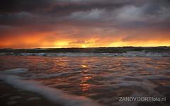 DSC06018 (ZANDVOORTfoto.nl) Tags: sunset sea sky sun beach netherlands clouds strand coast photo zonsondergang foto dunes nederland noordzee sunny zee shore northsea lucht duinen zon zandvoort aan niederlande ondergaande keur beachlive ediwn uitzandvoortnl zandvoortfotonl zandvoortfoto zandvoortphoto