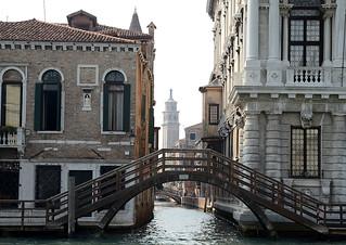 Canal Grande - Brücke zwischen Ca' Rezzonico und Palazzo Contarini Michiel