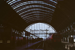 IMG_8674 (ais3n) Tags: city glass station architecture train canon germany eos am frankfurt steel interior main sigma bahnhof ceiling f16 hauptbahnhof 7d historical fixed dslr length frankfurter focal 30mm allgemeine hsm ais3n