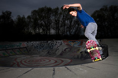 Stefan Forster - BS 5-0 (lui summer) Tags: pool sport corner skateboarding action extreme skating hard bowl stefan skatepark skate skateboard sick grind forster strobe skaten vorarlberg speedlite strobist
