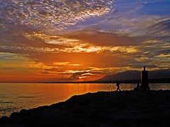 Brilla el Mediterrneo (Antonio Chac) Tags: sunset espaa atardecer mar spain europe day cloudy andalucia costadelsol p