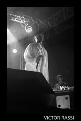 Criolo (victorrassicece 3 millions views) Tags: show brasil canon américa musica hiphop rap pretoebranco goiânia goiás américadosul 2014 musicabrasileira 20x30 rebelxti canoneosdigitalrebelxti criolo canonefs1855mmf3556is duasdecinco klebercavalcantegomes