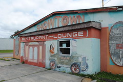 Showtown (Jacob...K) Tags: carnival statue giant boot town florida dwarf freak fl gibsonton quirkey quirkee
