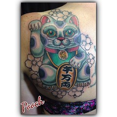 Maneki Neko in progress, 3 hours #manekineko #luckycat #asianart #japanese @fusionink_ca @neotatmachines
