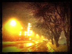 Neblina Oppsal (C.Bry@nt) Tags: street snow apple oslo norway night noche norge calle gate nieve norwegian gata noruega nordic akershus scandinavian iphone norsk norske skandinavia oppsal