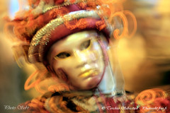 Masque de Venise (Annecy Photo - Sebt) Tags: carnival venice portrait italy annecy alpes canon eos costume italia mask lac carnaval miroir venise carnevale venezia italie aria maschera masque maschere hautesavoie aixlesbains vieilleville yvoire prouges vnitien