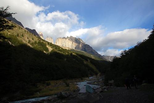 "Torres del Paine  świtanie <a style=""margin-left:10px; font-size:0.8em;"" href=""http://www.flickr.com/photos/125852101@N02/16353260918/"" target=""_blank"">@flickr</a>"