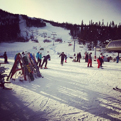 Sunny afternoon on Mount Sima #yxy #Yukon #ski #winter