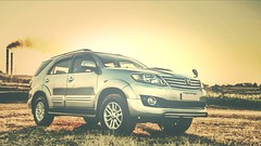 Toyota Fortuner. (Rakesh Raut 321) Tags: india gold automatic toyota suv silky fortuner d4d 3000cc