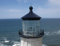 North Head Lighthouse - the Lantern Room (El Kite Pics) Tags: usa lighthouse kite washington aerial kap northhead ilwaco